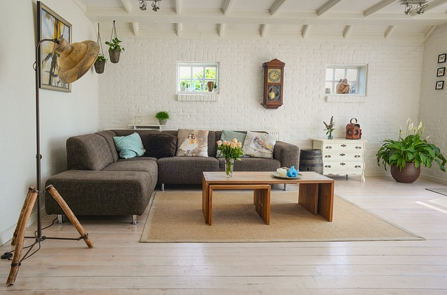 How to pack and move large furniture
