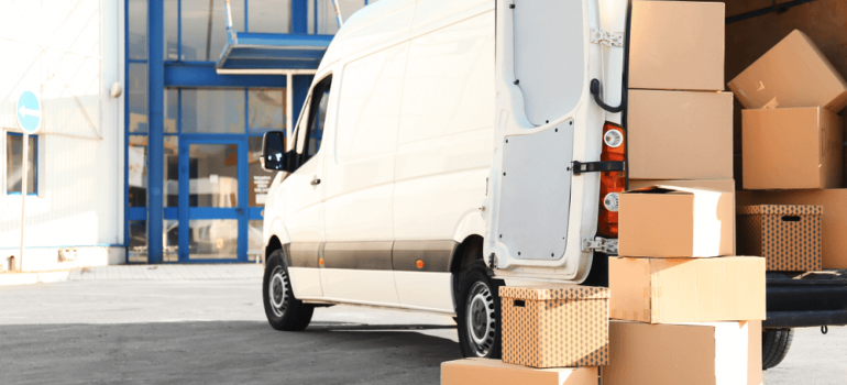 Number1movers in Markham Ontario are experienced in both local and long distance moving