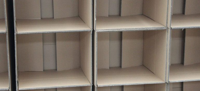 Packing service: columns of cardboard boxes