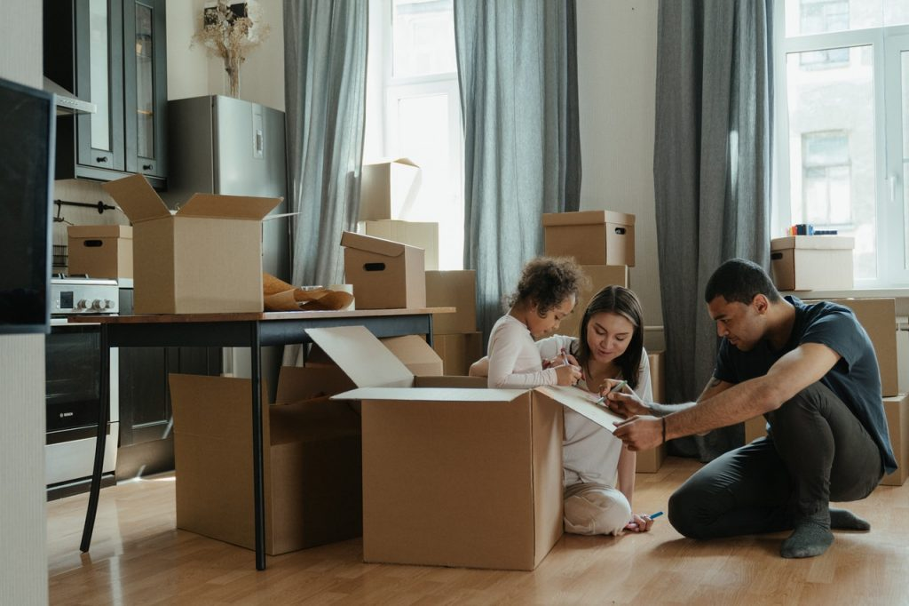family-Condo movers Toronto