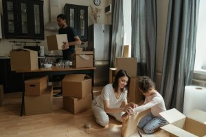 family - Benefits of hiring local movers in Toronto