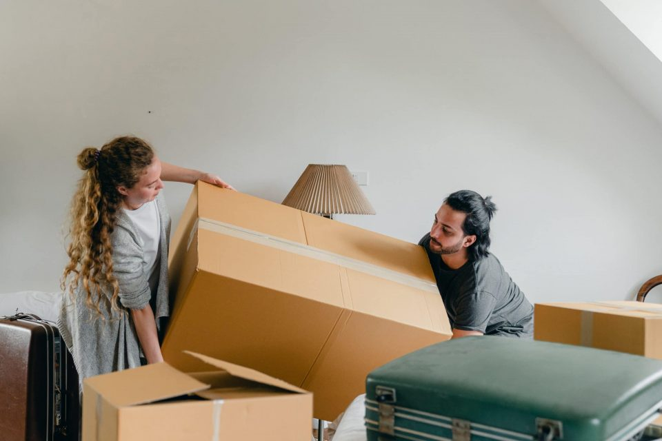 Get professional packing services when moving from Brantford to Toronto