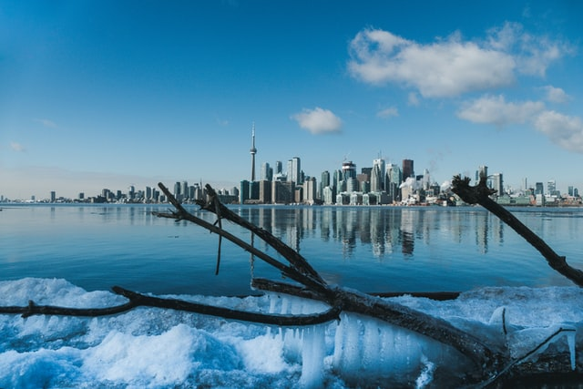 10 Cheap and Cheerful Winter Activities in Toronto