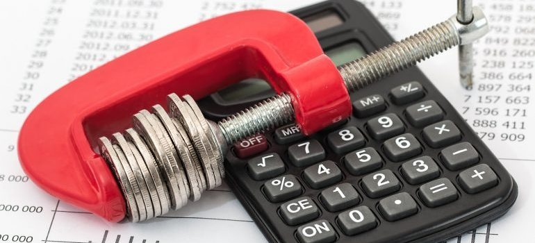 a calculator used to calculate the Cost of Living in Canada