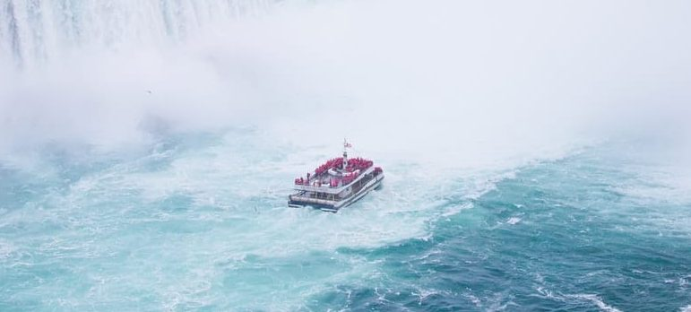 A private tour is among the things to do in Niagara Falls