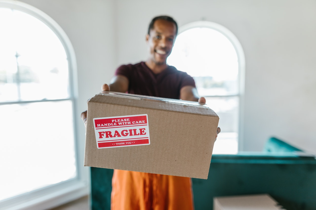 Tips for finding reliable long distance movers online