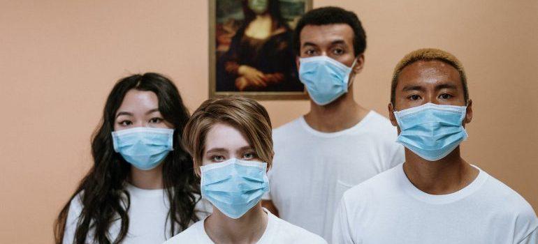richmond hill movers wearing masks