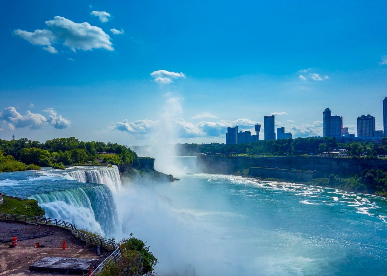 How to move to Niagara Falls on a budget