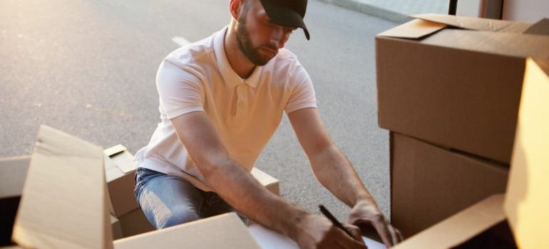 Finding affordable movers is one more way of lowering Hamilton moving costs