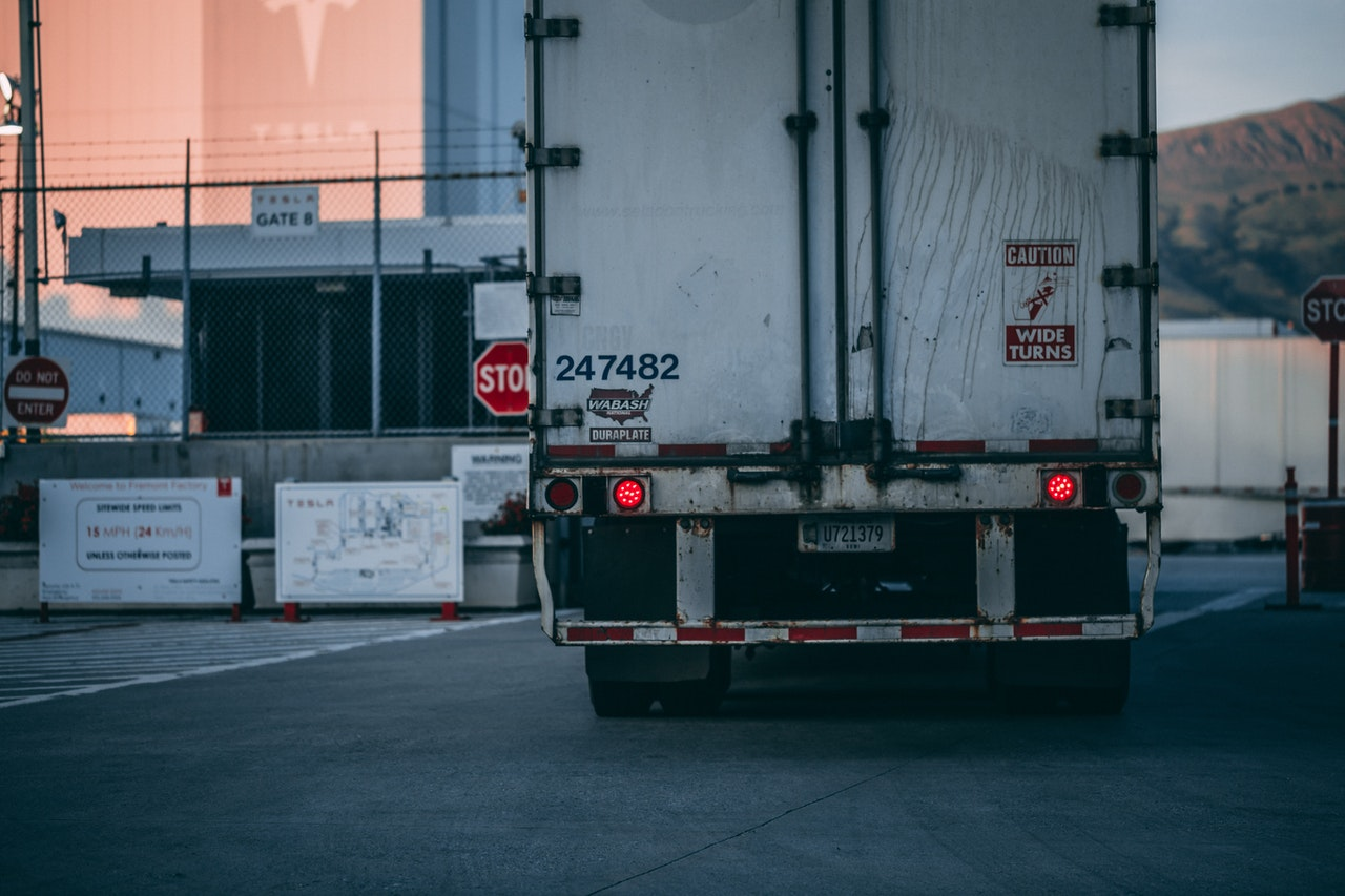 Choose the right moving truck size